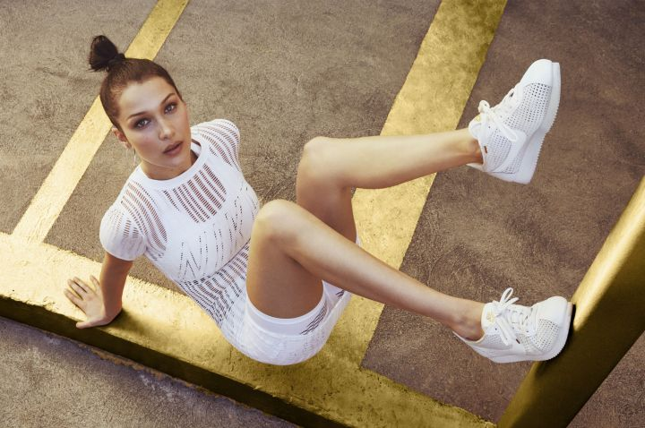 Gigi Hadid i Nike Cortez